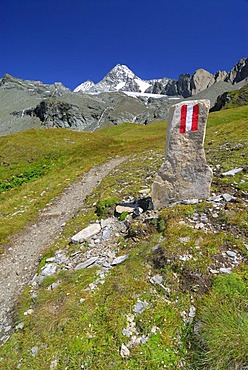 Trail in front of the peak of the Grossglockner, National Park Hohe Tauern, Tyrol, Austria