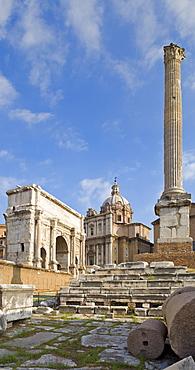 Column of Phocas and the Arch of Septimius Severus, Forum Romanum, Rome, Italy, Europe