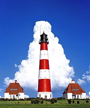 Westerheversand Lighthouse, corresponding cloud formation, Westerhever, Eiderstedt Peninsula, Schleswig-Holstein, Germany, Europe