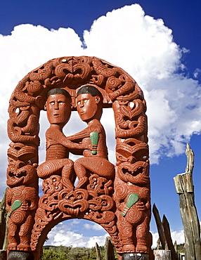 Gate to Whakarewarewa, Maori village, wood carving, Rotorua, North Island, New Zealand