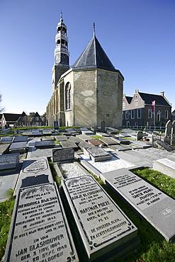 Church and graveyard, Hindeloopen, Ijsselmeer, Friesland, The Netherlands, Europe