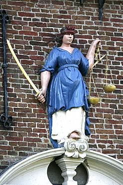 Justice statue in front of the old town hall, Hindeloopen, Ijsselmeer, Friesland, The Netherlands, Europe
