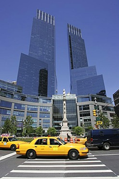 USA, United States of America, New York City: Time Warner Center at Columbus Circle. Offices, shops, restaurants, hotel.