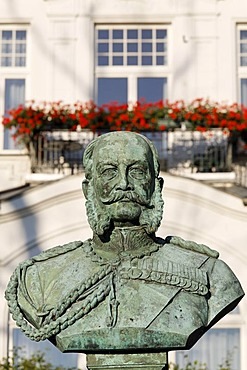 Bust of Kaiser Wilhelm I in front of the Villa Staudt, Heringsdorf seaside resort, Usedom Island, Baltic Sea, Mecklenburg-Western Pomerania, Germany, Europe