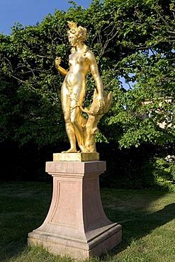 Golden Diana sculpture, Castle Schwetzingen, baroque gardens, Baden-Wuerttemberg, Germany