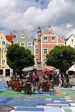 Marienplatz Square, replication of a painting by Kandinsky on the paving, Mariensaeule Column, Pfaffenwinkel, Upper Bavaria, Germany, Europe