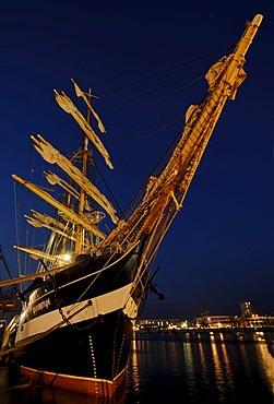 Night photograph of the Russian tall ship Krusenstern, Kruzenshtern in the port, Kiel Week 2008, Kiel, Schleswig-Holstein, Germany, Europe