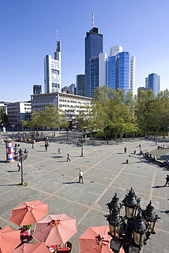 Opernplatz Square, Commerzbank at back, Frankfurt, Hesse, Germany, Europe