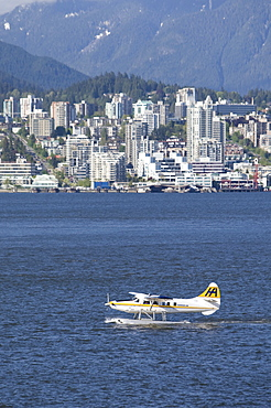 Water plane of the Harbour Air in front of Coral Harbour, Vancouver, British Columbia, Canada, North America