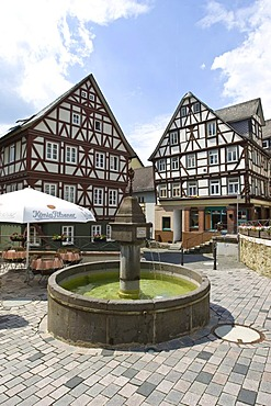 Historic half-timbered houses in the historic town centre in the Kornmarkt market, Wetzlar, Hesse, Germany, Europe