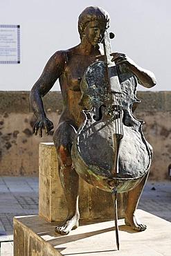 Bronze statue Homenaje a la Musica from A. L. Benitez, 1998, Agueimes, Aguimes, Gran Canaria, Spain