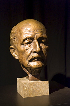Bust of Max Planck, physicist and winner of a Nobel Price
