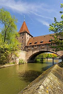 Kettensteg Bridge, Pegnitz River, historic city centre, Nuremberg, Middle Franconia, Bavaria, Germany, Europe