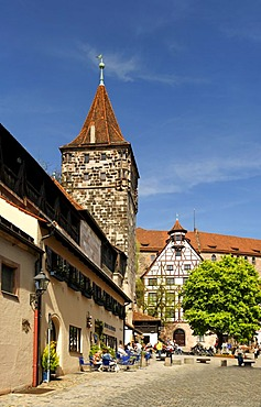 Tiergaertnertor Tower, town wall, fortified tower, historic city centre, Nuremberg, Middle Franconia, Bavaria, Germany, Europe