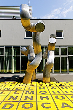 Dreiheit, Trinity Sculpture by Brigitte and Martin Matschinsky-Denninghoff in front of the in front of the Berlin Gallery, National Museum for Modern Art, Photography and Architecture, Berlin, Kreuzberg, Germany, Europe