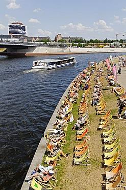 Capital Beach Bar on the bank of the Spree River, Regierungsviertel, government quarter, Berlin, Germany, Europe