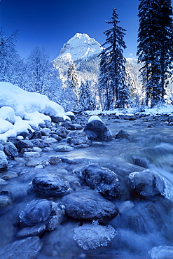 Ampelsbach River in front of Mount Guffert in winter, Brandenberg Alps, North Tirol, Austria, Europe