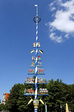 Maypole at Viktualienmarkt, Munich, Upper Bavaria, Bavaria, Germany