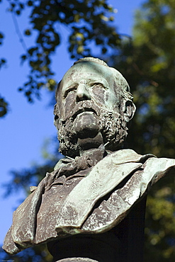 Stone bust on the grave of Arnold Ritter von Zenetti, 1824-1891, chief municipal building officer, Alter Suedfriedhof, old cemetery in Munich, Bavaria, Germany