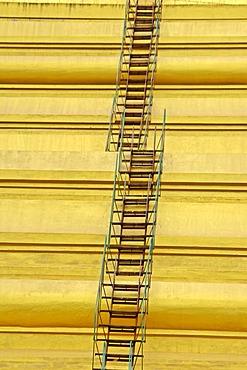 Golden cupola with stairs, Shwedagon Pagoda, Yangoon, Rangun, Myanmar, Burma