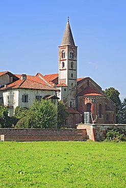 Cistercian cloister Abbazia di Staffarda near Saluzzo, Piemont, Italy