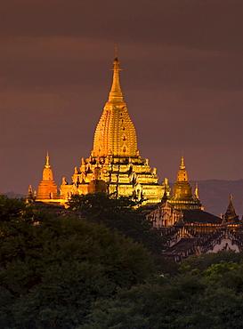 Ananda Temple at dusk, Bagan, Burma, Myanmar, Southeast Asia