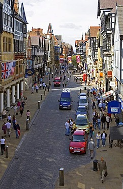 Chester, GBR, 23. Aug. 2005 - View to Eastgate St. in Chester.