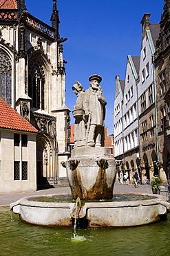 Fountain at Lambertikirchplatz Square, Muenster, North Rhine-Westphalia, Germany, Europe
