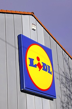 Lidl discount supermarket company sign