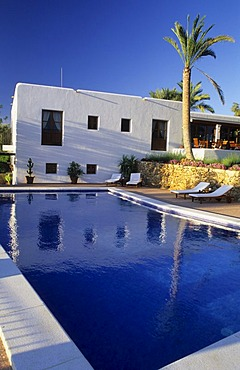 Country hotel Can Curreu near Sant Carles de Peralta