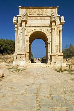 Decumanus and triumph arch of Septimus Severus Leptis Magna