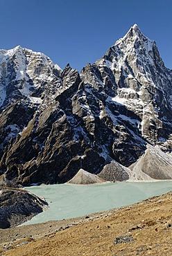 Chola Tsho lake at Chola Khola valley in front of Arakamtse (6423), Khumbu Himal, Sagarmatha Nationalpark, Nepal