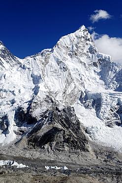 View over Khumbu glacier towards Nuptse (7861), Khumbu Himal, Sagarmatha National Park, Nepal