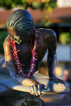 Surfer statue, Makua and Kila, based on a child's story about respect for the ocean, Waikiki, Honolulu, O'ahu Island, Hawaii, USA