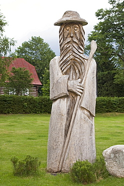 Wooden statue of Ruebezahl, Harravov, Czech Republic