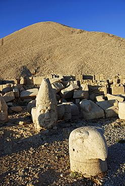 Tomb-sanctuary Nemrut Dagi, Anatolia, Turkey