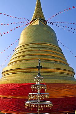 Gilded stupa, Golden Mount, Bangkok, Thailand, Southeast Asia, Asia