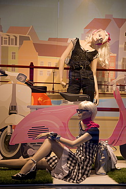 Shop window, fashion boutique, Zaragoza, Saragossa, Expo 2008 city, Province of Aragon, Spain, Europe
