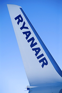 Ryanair, tail wing