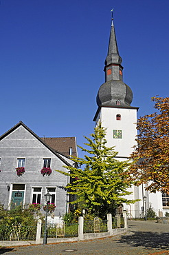 Protestant Church, church in the historic town centre, Bergneustadt, Bergisches Land, North Rhine-Westphalia, Germany, Europe, PublicGround