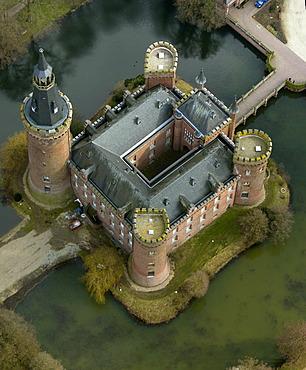 Aerial view, Wasserschloss Moyland, a moated castle, Museum Moyland, Bedburg-Hau, Lower Rhine, North Rhine-Westphalia, Germany, Europe