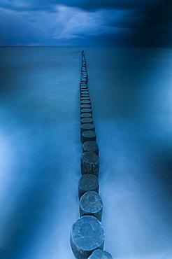 Breakwaters, sea resort of Zingst, Fischland-Darss-Zingst, Baltic Sea, Mecklenburg, Pomerania, Germany, Europe