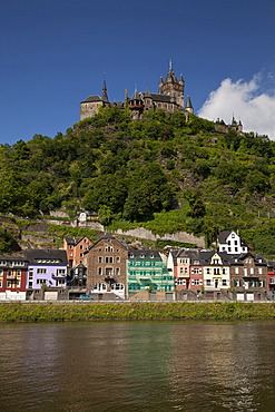 Moselle river with Reichsburg Imperial Castle, Cochem, Moselle, Rhineland-Palatinate, Germany, Europe, PublicGround
