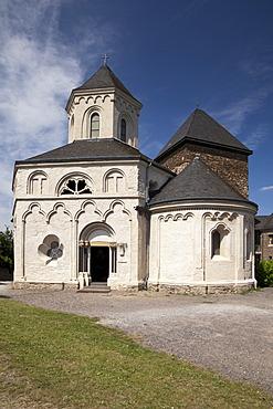 St. Matthias Chapel and Oberburg Castle, Kobern-Gondorf, Moselle region, Rhineland-Palatinate, Germany, Europe, PublicGround