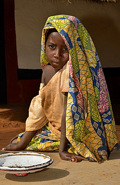 Young girl in the village of Idool, near Ngaoundéré, Cameroon, Central Africa, Africa