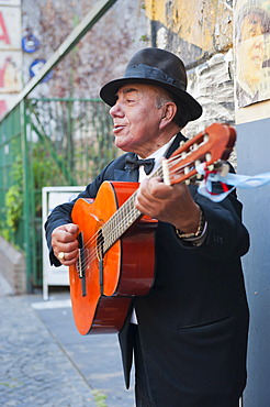 Tango singer, Plaza Dorrego, San Telmo, Buenos Aires, Argentina, South America