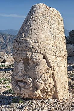 Mount Nemrut sanctuary, UNESCO World Heritage Site, statues on the western terrace, ruins of the Commagene civilization, 1st century B.C., Mount Nemrut, Eastern Turkey