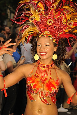 Brazilian Samba dancer, Carnival of Cultures, annual internationally known colourful street parade at Whitsun with about 100 groups and floats taking part, Kreuzberg, Berlin, Germany, Europe