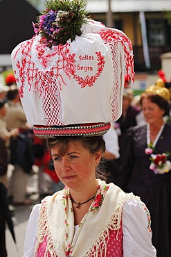 Woman in traditional costume from Gosau in Upper Austria, Narzissenfest Narcissus Festival in Bad Aussee, Ausseer Land, Salzkammergut area, Styria, Austria, Europe