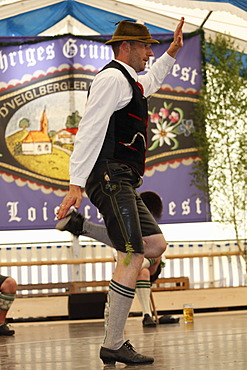 Schuhplattler, traditional folk dancer, 83rd Loisachgaufest in Neufahrn near Egling, Upper Bavaria, Bavaria, Germany, Europe